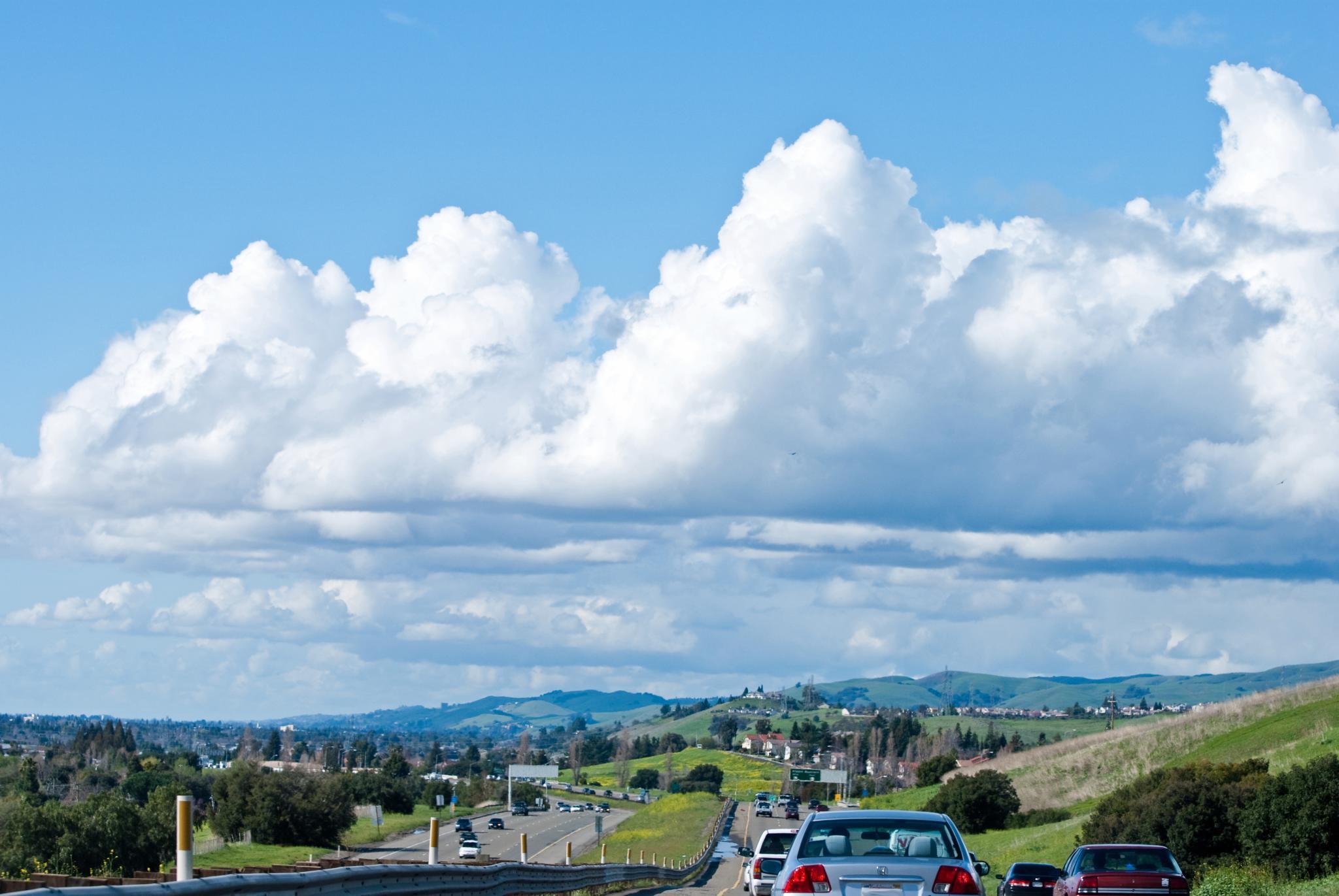 Flat bottom clouds